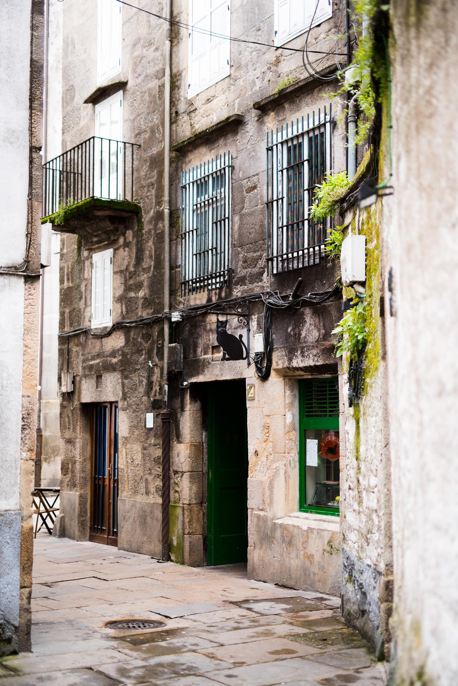 travel-santiago-de-compostel-lufthansa-city-of-the-months